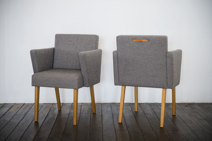 SQUARE ARM CHAIR